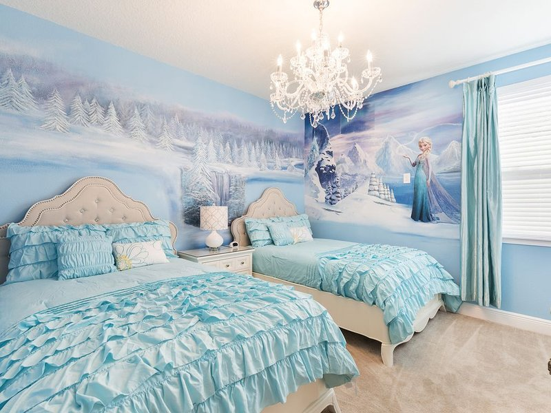 8min to Disney! Frozen & Star Wars Themed Rooms-Where All Princesses&Jedi Reside, holiday rental in Reunion