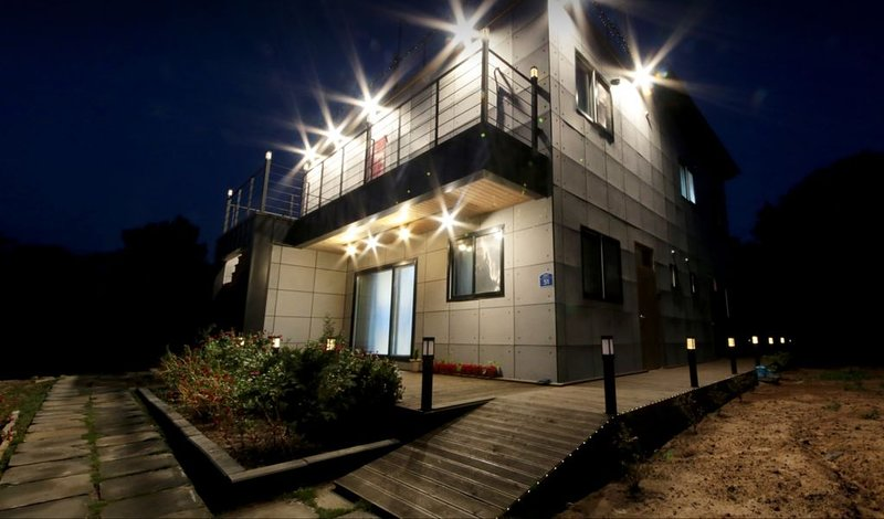starlighthouse is familyroom, holiday rental in Jeju