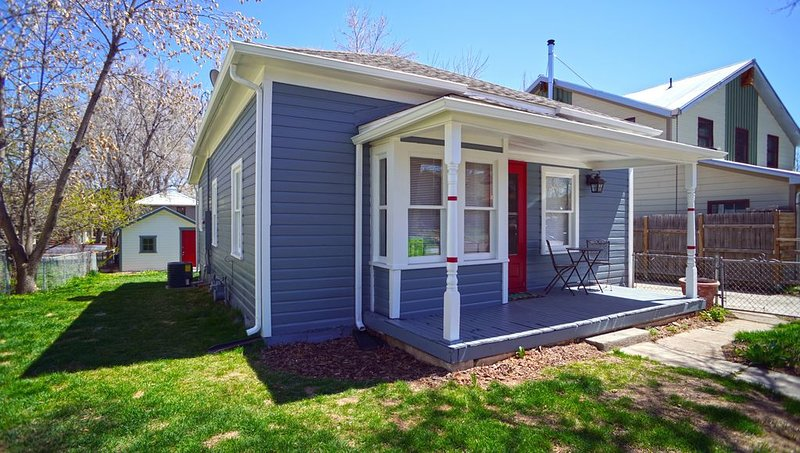 Old Town French Style Bungalow in Louisville!!!, vacation rental in Louisville
