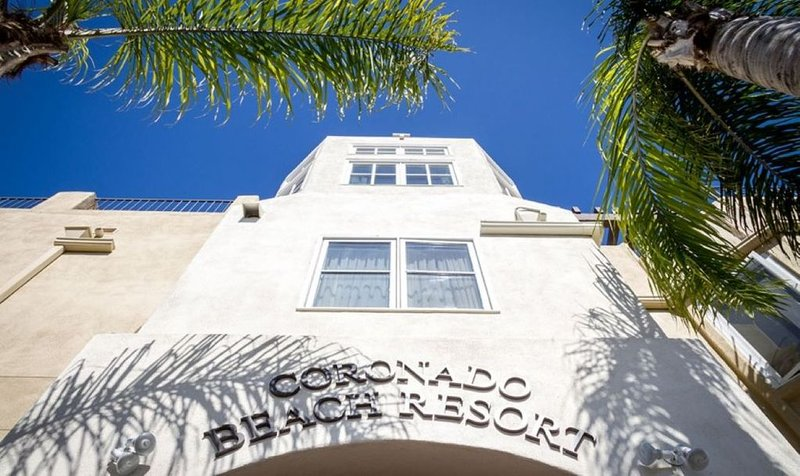 Coronado Beach Resort, 1 bedroom condo with kitchenette!  Best Rates!  Book Now!, casa vacanza a Coronado
