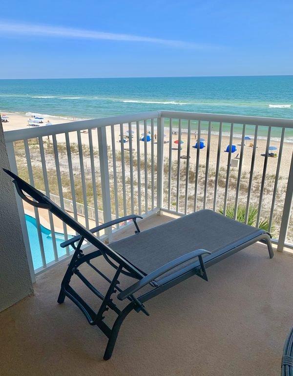Lounge on the balcony
