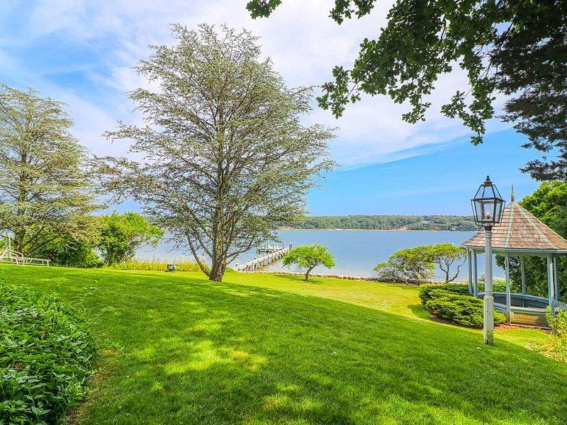 New listing! Waterfront oasis w/ dock, gazebo, amazing views & patio - 1 dog OK!, alquiler vacacional en Vineyard Haven