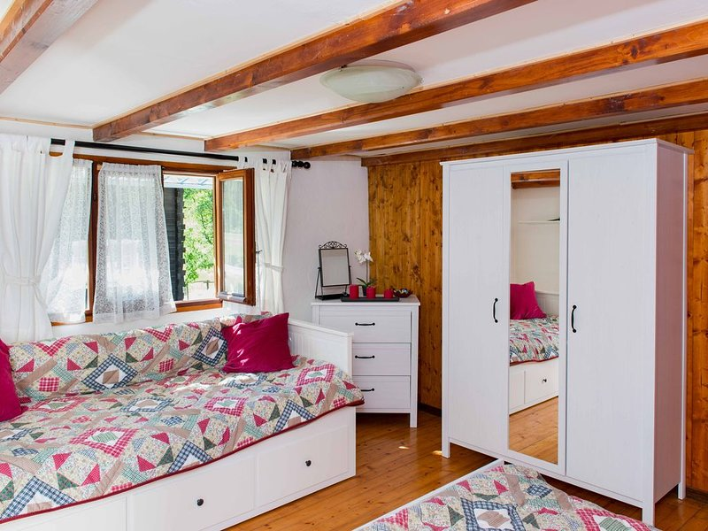 chalet incantevole Zender, holiday rental in Fornarelli