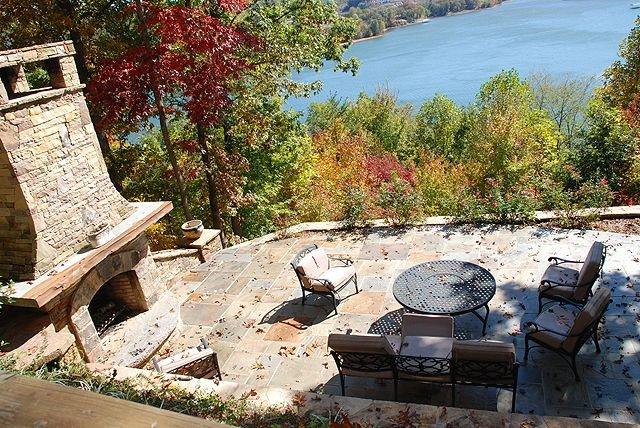 Palm Peach Upscale 3 bedroom 3 bath with Mountain and Lake Views with Hot Tub, aluguéis de temporada em Hiawassee