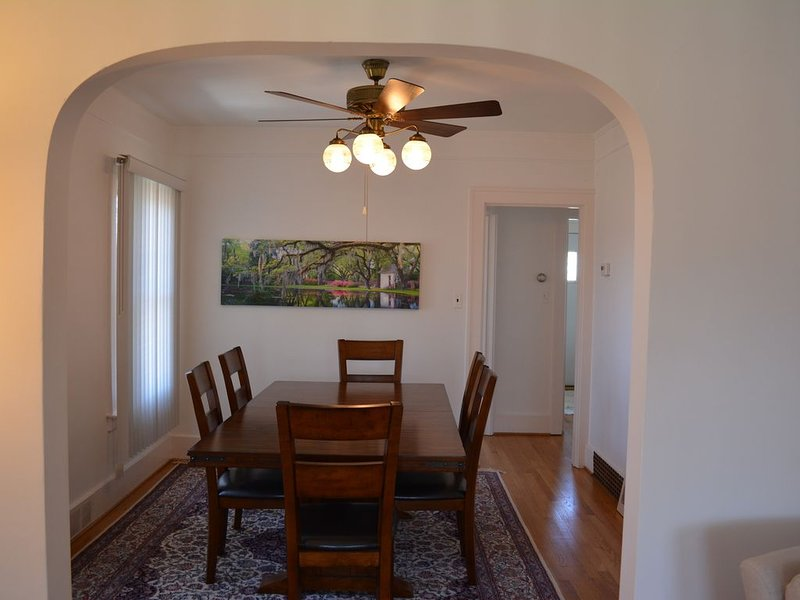 VRBO In Dearborn Apartment, vacation rental in Dearborn