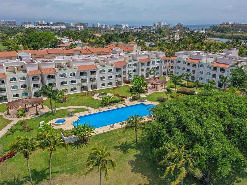Introducing Casa Carli, Golf and Beach Resort at El Tigre, vacation rental in Nuevo Vallarta