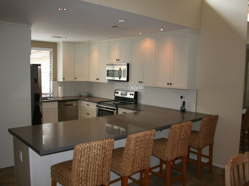 Location Location Location Updated Condo Near Pool*South Exposure**Read Reviews*, alquiler vacacional en Palm Desert