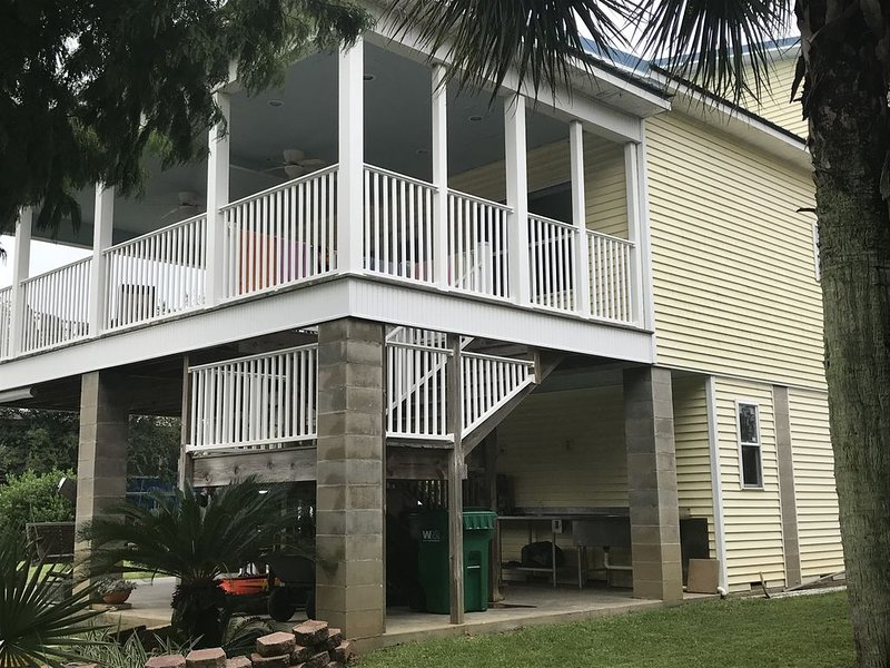 Crusin the Coast! Waterfront  Home - Fish, Boat, BBQ, Sit Back, Relax & Enjoy!, holiday rental in Gautier