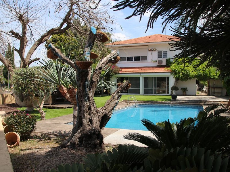 Villa Aqueduct - Great house, excellent location, amazing view, location de vacances à Or Akiva