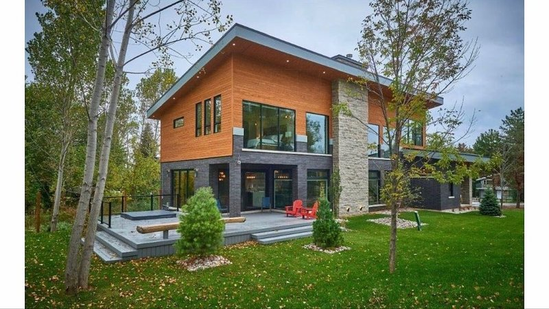 Stunning modern chalet minutes from Blue Mntn Resort and Lake, vacation rental in Craigleith