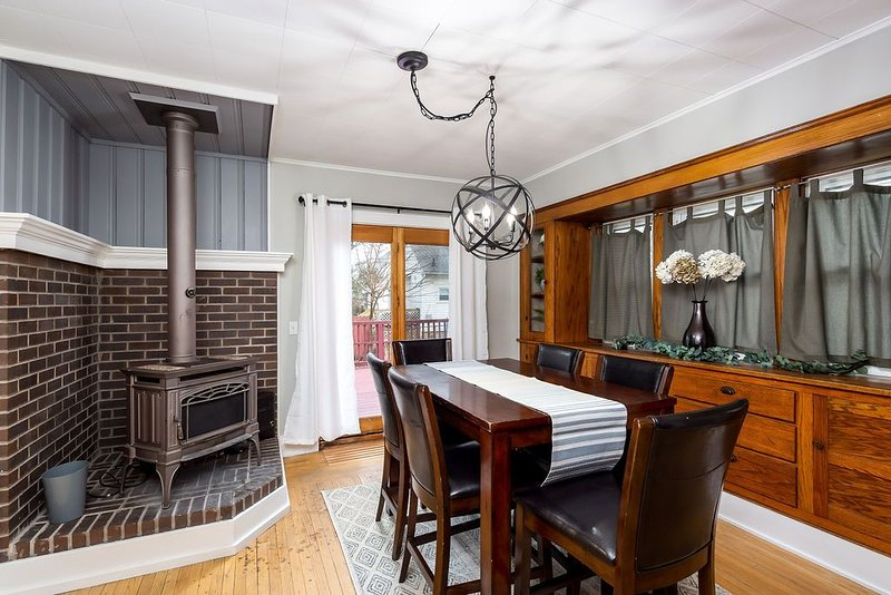 Classic Lansing Home: In the middle of everything, holiday rental in Haslett