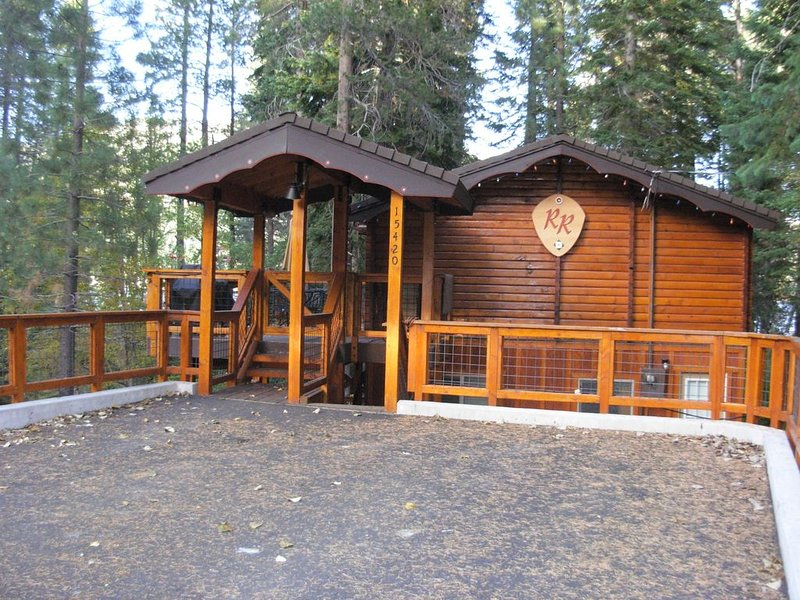 West End Donner Lake, Lake Side, Dog Friendly, Lake View., holiday rental in Truckee
