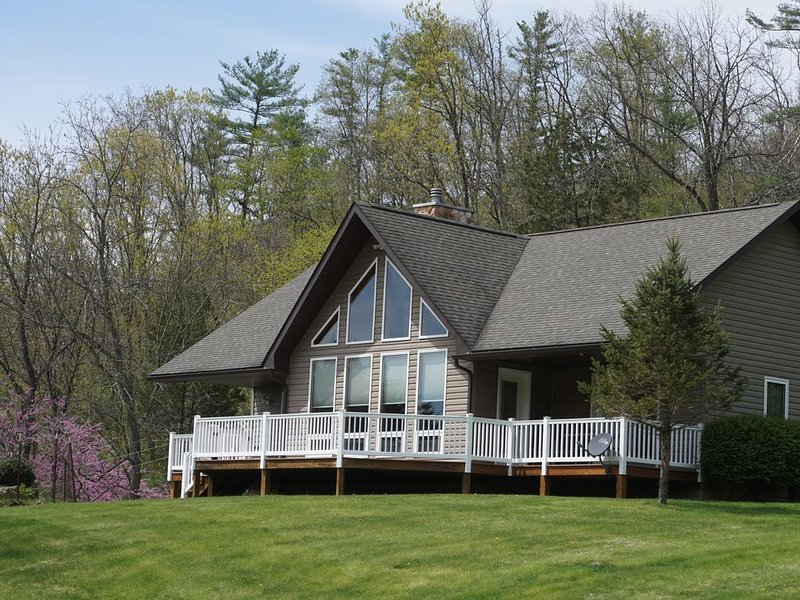 Secluded Mountain House near Sate College, holiday rental in Allensville