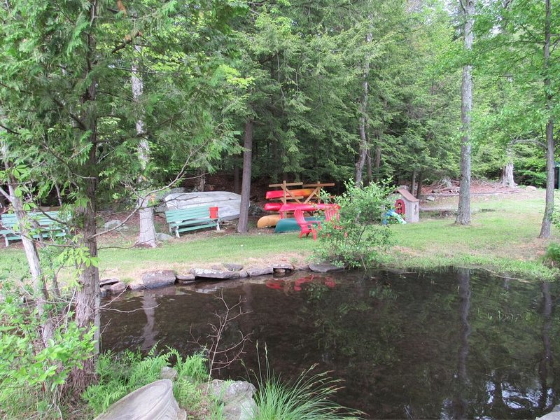 Cleverdale waterfront with Dock, location de vacances à Comstock