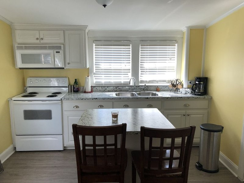 Beautiful apartment in the heart of Bardstown, KY, Ferienwohnung in Clermont