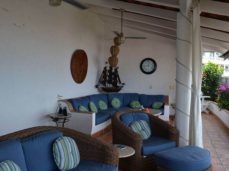 Downtown Penthouse-Style Apartment, vacation rental in Puerto Vallarta