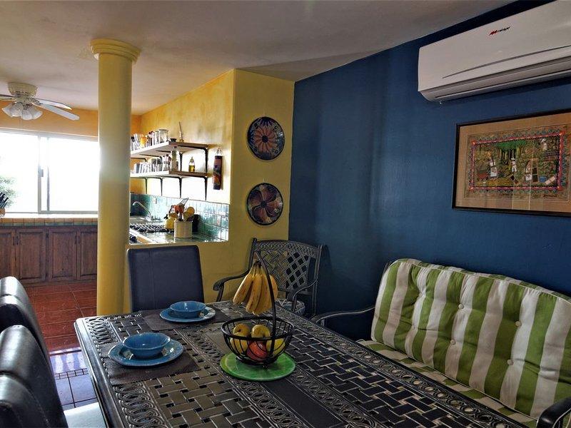 Pool, Super comfortable King, breakfast, holiday rental in El Centenario