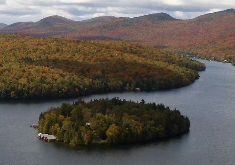 Rent your own island on Lake Placid!, holiday rental in Vermontville