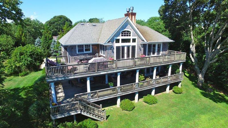 Newly Built 3 Story Home with Beach Parking Pass, location de vacances à Montauk