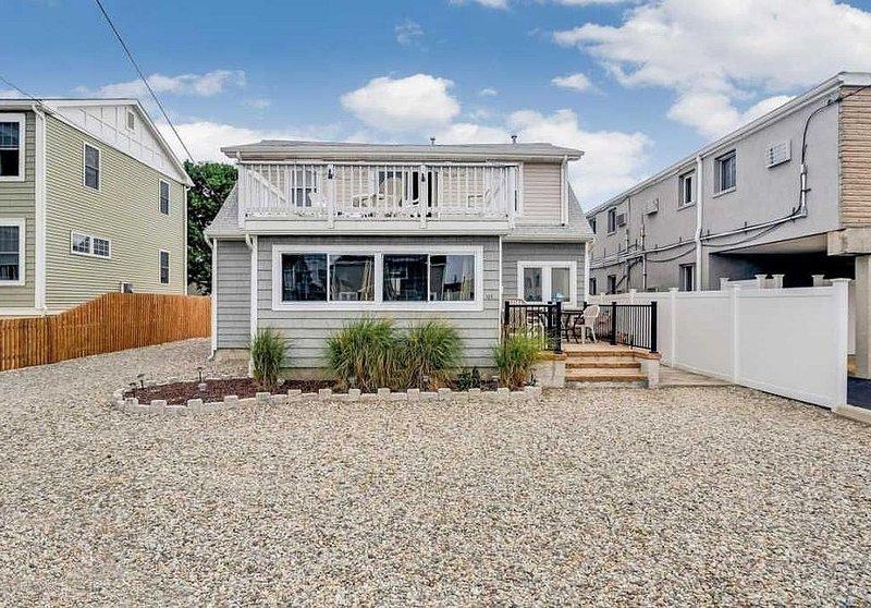 Summer 2020! Beautiful 3br/2ba Lavallette Jersey Shore rental! Sleeps up to 8!, location de vacances à Ortley Beach