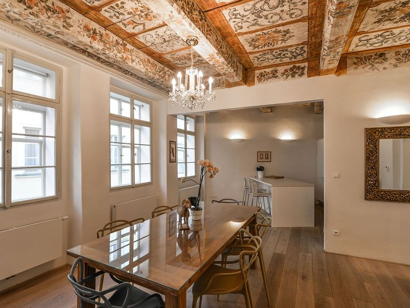 18th CENTURY BAROQUE RESIDENCE, holiday rental in Prague