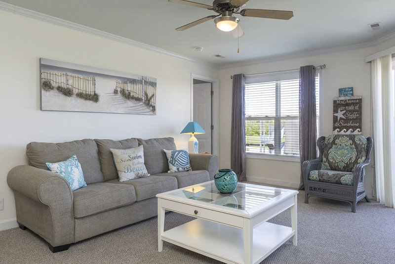 Sea View:  Comfortably Accommodates up to Twelve, holiday rental in Long Beach