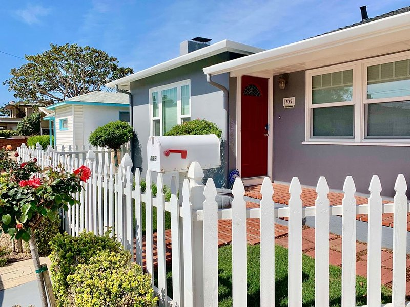 CASA CHARO ~2/2 BEST little cottage in Shell Beach *min 30 night stay*, aluguéis de temporada em Shell Beach