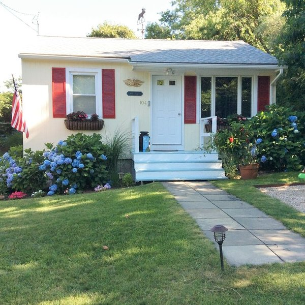 Hither Hills 2BR Montauk Cottage - walk to beach!, vacation rental in Montauk