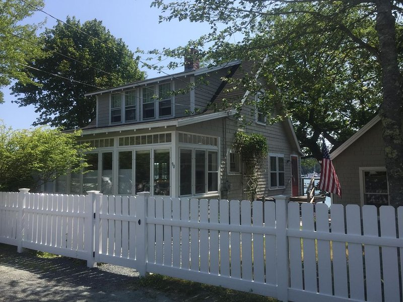 Charming In Town Cottage on the Harbor, vacation rental in Seal Harbor