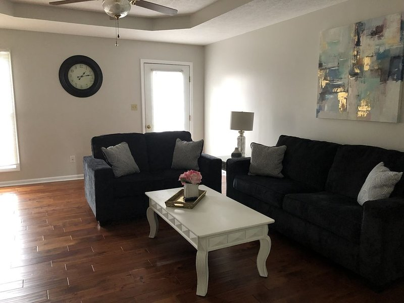 Newly remodeled 3 bedrooms house with special nightly rates, holiday rental in Hopkinsville