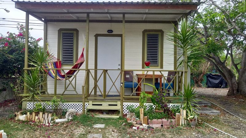 BAMBOO COTTAGE AT SHAMBHALA, location de vacances à Barbade