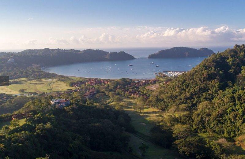 Private House in Los Suenos Resort overlooks Marina, location de vacances à Punta Leona