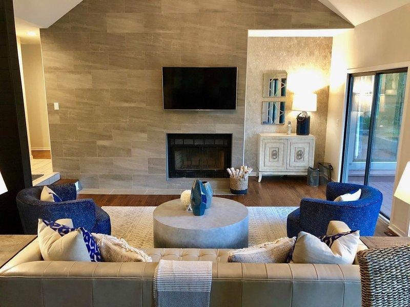 NEW!  Adorable 4 bedroom, 3.5 bath home close to beach with gorgeous lagoon view, casa vacanza a Kiawah Island