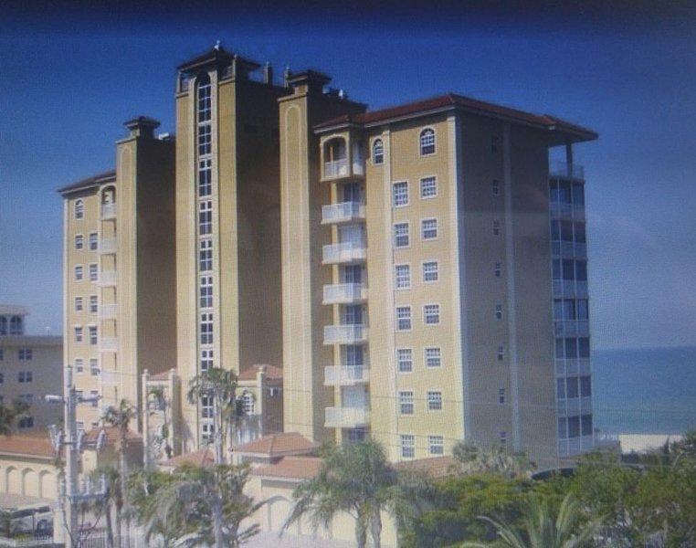 Cancellation opens March 2021! Gulf Front Condo in Beautiful Vanderbilt Beach, holiday rental in Vanderbilt Beach