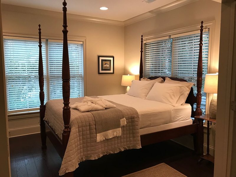Southern Charm and Hospitality/ Luxury 2 BR Apartment, alquiler de vacaciones en Dunwoody
