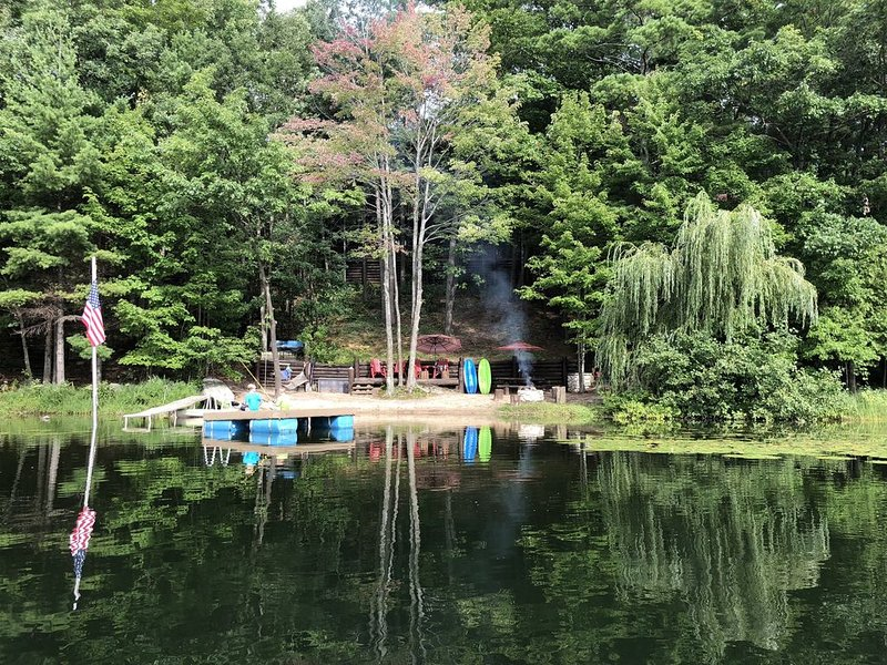 Custom Designed Lodge is the perfect escape for your family in Northern Michigan, holiday rental in Lake Ann