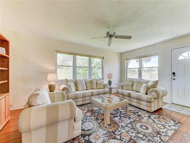 Welcome to Plaza Cottage! - This adorable, family-friendly vacation home sleeps up to six and is just a block from the beach. It's the perfect destination for an extended trip to Florida's Atlantic Coast!
