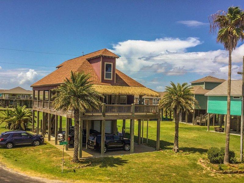 Sand Dollar * Beach Views* 3 bedroom 2 1/2 bath* sleeps 10, alquiler vacacional en Crystal Beach
