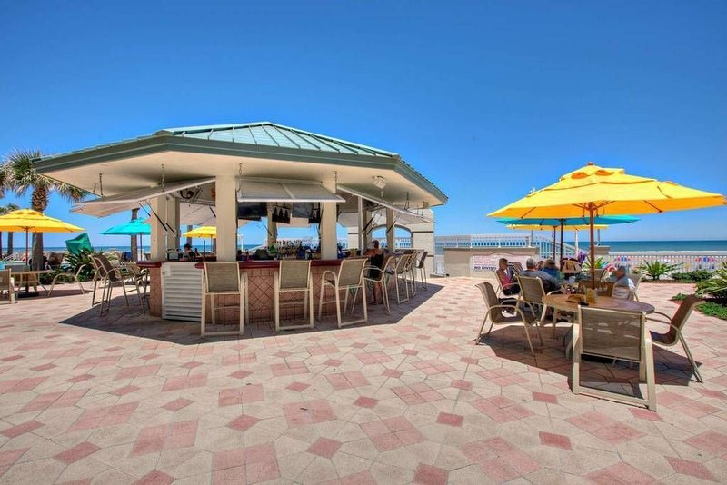 Don't Miss Out: Remaining Fall Dates are the Lowest Rates of the YEAR!, holiday rental in Daytona Beach