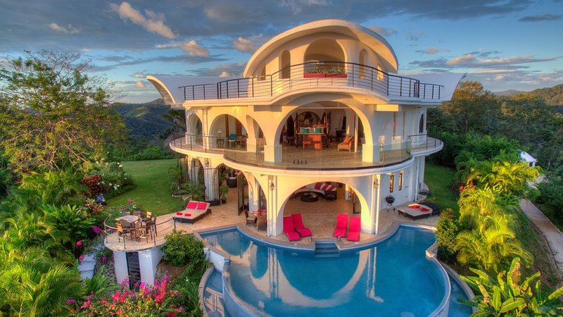 Unique Jungle mansion with incredible 360 degree views, alquiler de vacaciones en Ostional