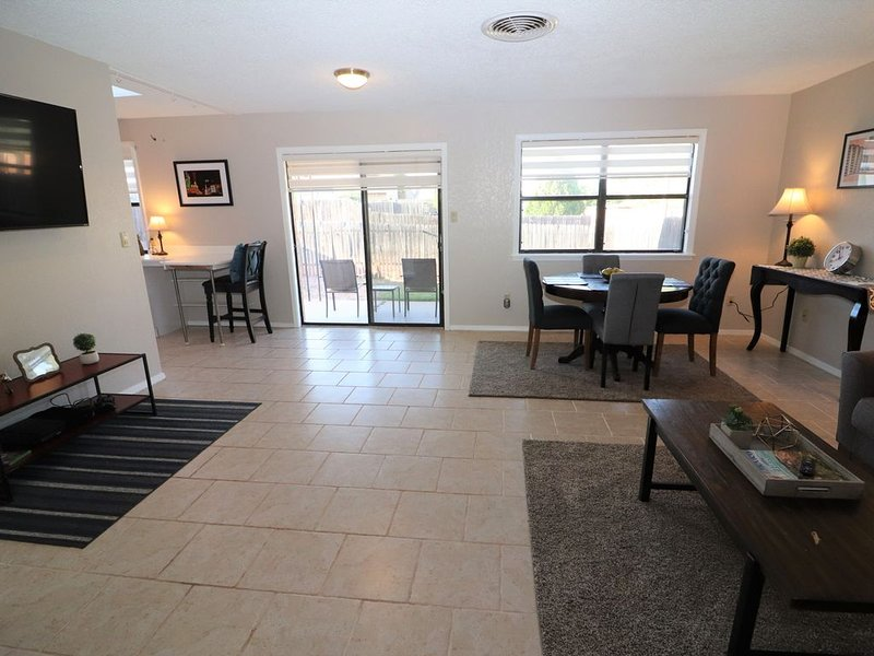 Holloman Crashpad: Your home away from home., holiday rental in High Rolls Mountain Park