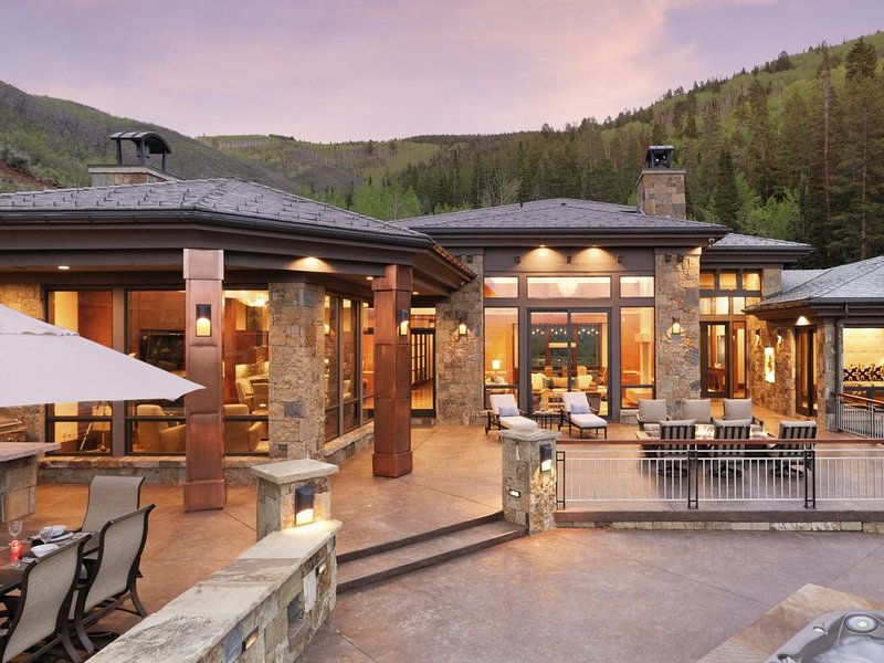 Mountain Estate Just Minutes from Downtown Aspen, casa vacanza a Meredith