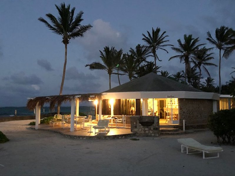 Rum Punch Villa Palm Island St. Vincent & the Grenadines Islands, holiday rental in Hillsborough
