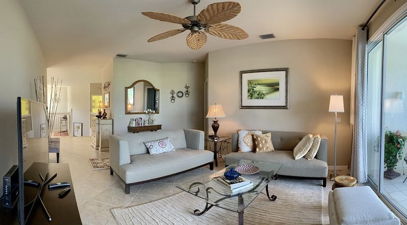 Yacht Club Community Near Ft Myers Beach, Luxury 3 Br Condo, Water View!, holiday rental in Biggar