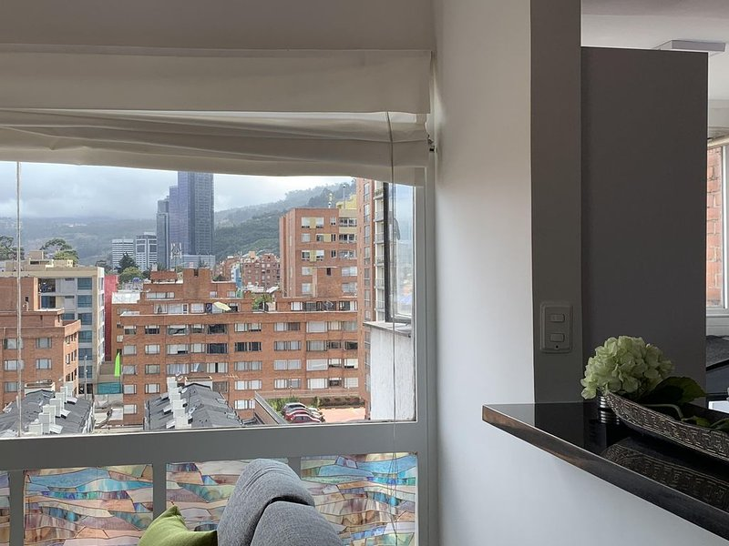 MODERN APARTMENT IN AN UPSCALE NEIGHRBORHOOD, alquiler de vacaciones en Cajicá