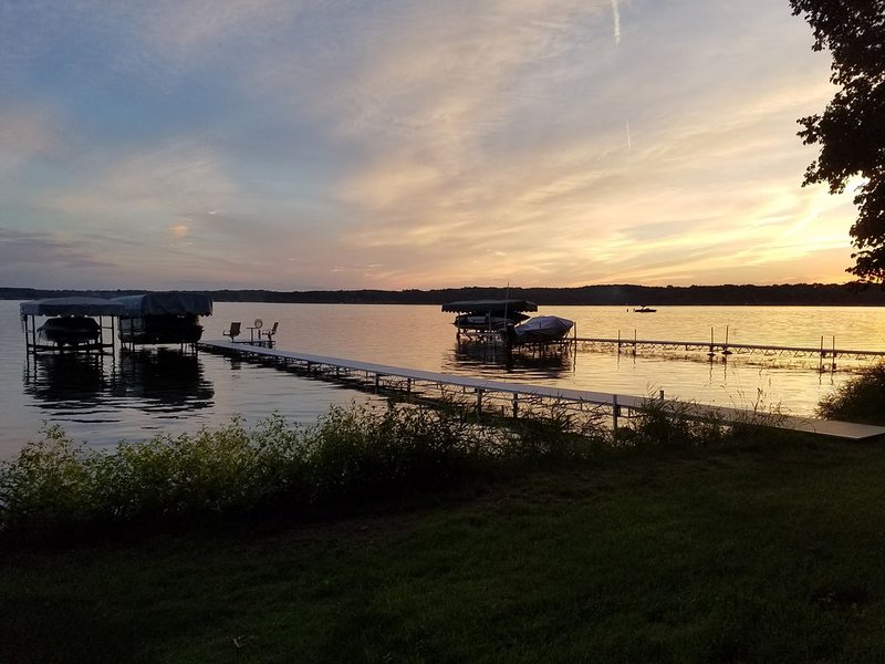 Cozy Cabin on Cedar Lake, vacation rental in Balsam Lake