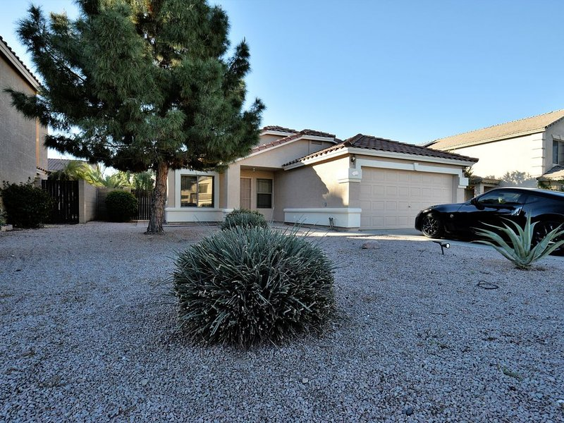 Gilbert Home - about 1 Mile from Downtown Gilbert!, holiday rental in Gilbert