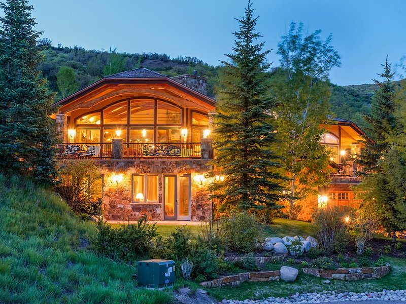 Mountain Retreat With Stunning Views Of Snowmass, alquiler vacacional en Woody Creek