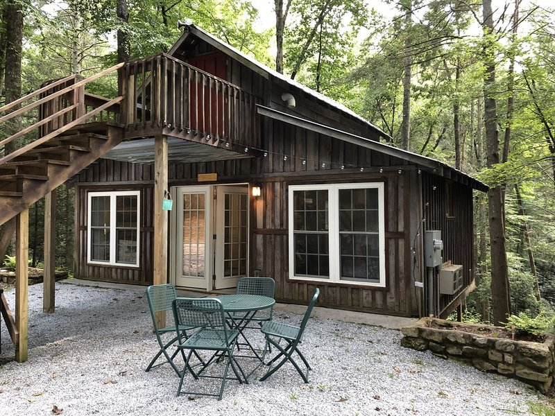 Relax & Recharge! Secluded Mountain Carriage House, alquiler vacacional en Cleveland