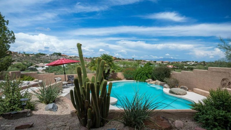 Fountain Hills Home With Heated Pool/Hot Tub and Amazing Views!, alquiler de vacaciones en Fountain Hills